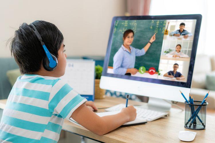 Ketahuilah Dengan Siapa Anak Itu Berkomunikasi