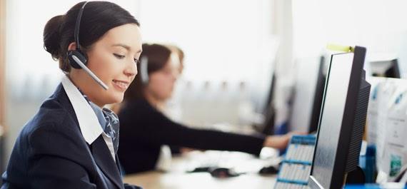 Menggunakan Layanan Bantuan Operator via Telepon